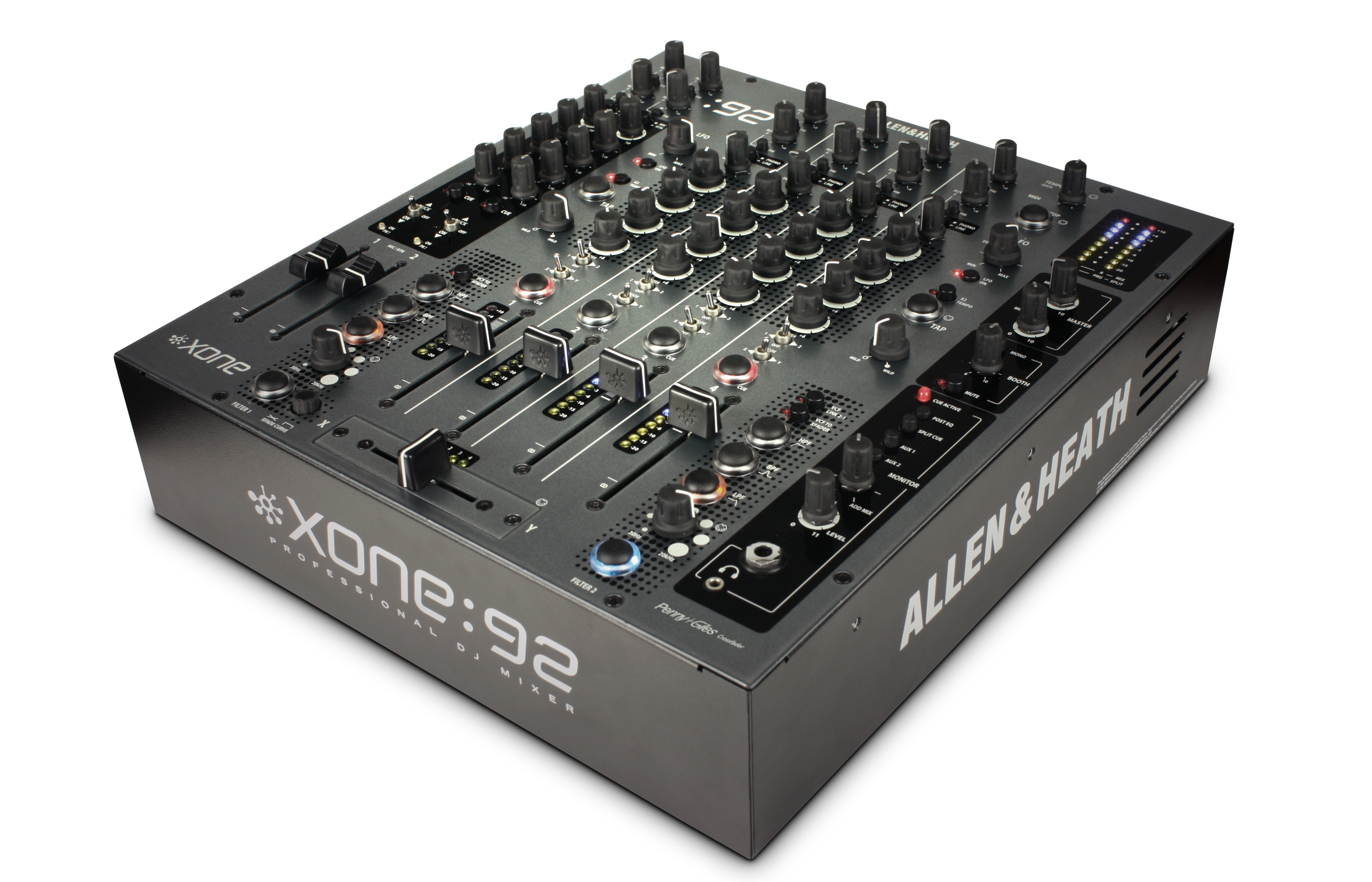 Allen and Heath XONE 92 3.jpg
